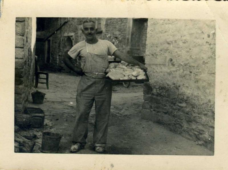 Mario Tedioli con il pane